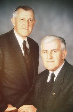 """Friedrich und Karl Stegner waren jahrzehntelang """"die Gesichter"""" der Raiffeisenkasse in Heroldingen."""